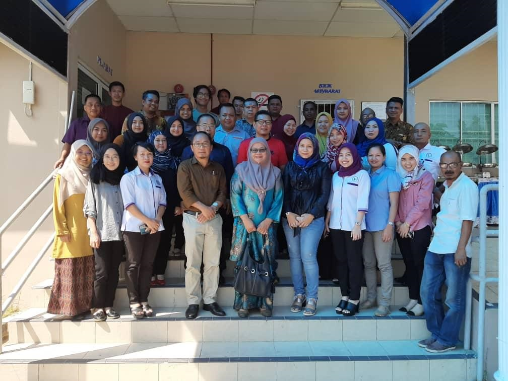 Faculty of Veterinary Medicine shares knowledge with Sabah Department of Veterinary Services
